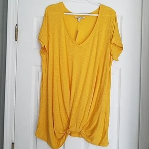 EXPRESS **NEW w/ tags!** Casual Tee!
